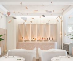 Odette Restaurant is a design restaurant in Singapore by Universal Design Studio with a beautiful powder pink interior - ITALIANBARK Design Studio, Bar Design, Design Hotel, Design Bar Restaurant, Decoration Restaurant, Restaurant Restaurant, Commercial Interior Design, Commercial Interiors, Cafe Interior