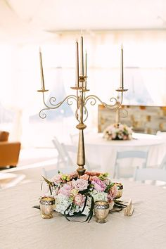 gold candelabra centerpiece @weddingchicks