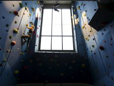 Google's office in New York sits right above the popular Chelsea Market. It's home to a rock climbing wall, art from New York-based artists, and intimate breakout spaces.