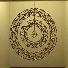 HImmeli 2017 No.1 Straw Sculpture, Arts And Crafts, Diy Crafts, Geometric Designs, Metal Art, Geometry, Decorative Plates, Mobiles, Workshop