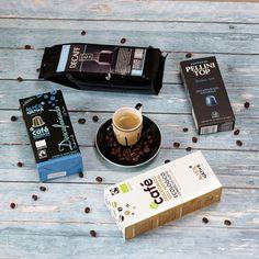 Egy jó kávé estefelé? Te szoktál este is kávézni? Koffeinmentes kávéval bármikor élvezheted a kávé ízét! TUDTAD? A koffein íztelen vegyület a jól ismert kesernyés ízt nem a koffein hanem sötét - olaszos - pörkölési mód adja.   Megtalálod #bio szemes őrölt hagyományos Nespresso kapszulás #környezetbarát #lebomló kapszulás pod-os változatokban is a webáruházban!  Megtalálod őket a kávéscsészével együtt a webáruházban! Link a BIO-ban!  #amiértérdemesfelkelned #igykavezom . . . . #koffeinmentes… Usb Flash Drive, Mint, Usb Drive