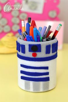 this pen holder is so cute! r2d2 never looked better