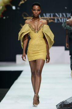La Art Neviole Runway Fashion, High Fashion, Pretty Designs, Dressed To Kill, Female Poses, Minimalist Fashion, I Dress, African Fashion, Girl Outfits