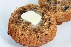 Healthy Bran Muffin Recipe 1 cup wheat bran 1 - cups whole wheat flour cup raisins 1 teaspoon baking powder 1 teaspoon baking soda cup milk cup molasses or honey 2 tablespoons oil 1 egg, beaten cup walnuts, chopped Healthy Muffin Recipes, Healthy Muffins, Healthy Baking, Diabetic Recipes, Diabetic Bran Muffin Recipe, Wheat Bran Muffin Recipe, Muffin Recipies, Healthy Desserts, Healthy Food