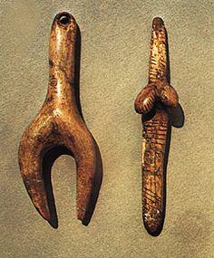 """Stylized """"Venus"""" figurines carved in ivory, Aurignacian-Gravettian (c. 24,800 bce), from Dolní Věstonice, Mikulov, Moravia, Czech Republic"""