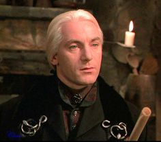 Lucius Malfoy (Jason Isaacs) link to LOTS of gorgeous Lucius pics Harry Potter Icons, Harry Potter Cast, Harry Potter Characters, Harry Potter World, Jason Isaacs, Draco Malfoy, Severus Snape, New Star Trek, Metzger