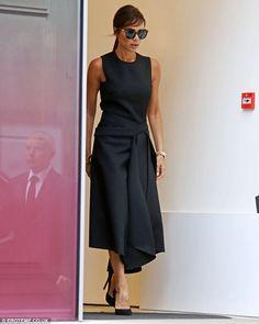 La minute mode de Marinette: Victoria Beckham, stylée en total look noir griffé ... Victoria Beckham