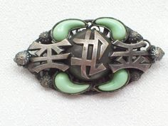 VINTAGE CZECH CHINESE SYMBOL ORIENTAL ART DECO STYLE GLASS JADE BROOCH/PIN