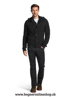 Chcete vyzerať dobre, bez väčšej námahy? Pánsky sveter RON z novej kolekcie Bogner Jeans jeseň/zima 2015.  Robustný úpletový sveter s odnímateľňou kapucňou, vysokým golierom a vreckami na zips nájdete na našom onlineshope: http://www.bogneronlineshop.sk/panska-moda/panska-moda-do-mesta/panske-svetre/sveter-bogner-jeans-ron-sedy