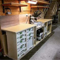 Thinking how this bench would look housing Japanese tool boxes in place of Festool ones.