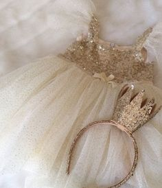 Tutu tutu dress baby dress girls dress gold by ElliesBoutique 30 Baby Girl Fashion, Fashion Kids, Flower Girl Tutu, Flower Girl Dresses, Tutu Dresses, Pageant Dresses, Party Dresses, Baby Girl Dresses, Baby Dress