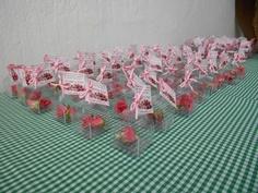 Una idea de recuerdo para tu boda son esta lindas baby roses preservadas, acompañadas de un lindo pensamiento@specialtycl