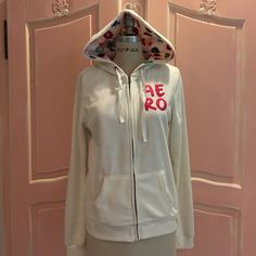 ❤️Like new Aero Soft cream hoodie❤️ This cream fuzzy soft AERO hoodie couldn't  be softer.  it has a cute colorful pattern on the inside of the hood otherwise all cream. it has been worn once or twice indoors only. Aeropostale Tops Sweatshirts & Hoodies
