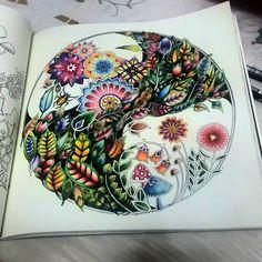 """Finally completed! First try for black background, took me so long! #florestaencantada #enchantedforest #jardimsecreto #jardimcolorido #johannabasford…"""