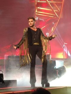 @aussiedeano  29h @ adamlambert Great show, respectful to The Man. Great voice, you did him proud. Thanks for coming to Melbourne!