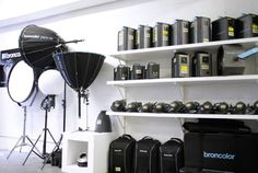 We are the official South African broncolor distributor. Contact us for all enquiries