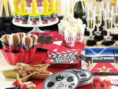 Reel Hollywood party supplies, available now at Affordable Treasures. - New Deko Sites Oscar Party, Movie Night Party, Party Time, Movie Nights, Kino Party, Red Carpet Party, Pink Carpet, Hollywood Theme, Vintage Hollywood