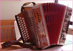 Steirische Harmonika von Margareta St. Button Accordion, Display, Happy June, Instruments, Pictures, Musik, Floor Space, Billboard