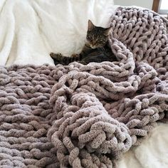 Easy Chunky Hand-Knitted Blanket in One Hour : 9 Steps (with Pictures) - Instructables Chunky Yarn Blanket, Hand Knit Blanket, Easy Crochet Blanket, Knitted Blankets, Blanket Scarf, Finger Crochet, Hand Crochet, Chunky Crochet, Crochet Granny
