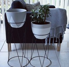 Plant stans n pots hacked Living Room Inspiration, Home Decor Inspiration, Kmart Decor, Austin Homes, Country Interior, Up House, Home Hacks, Home Staging, Furniture Decor