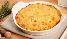 Μια εύκολη συνταγή για ένα πιάτο, πάντα ευπρόσδεκτο σε μικρούς και μεγάλους, για μια υπέροχη πατατόπιτα με ζαμπόν και τυρί. Αρωματίστε τη...