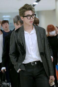 Joon looks so good omfg<<>> handsome as usual