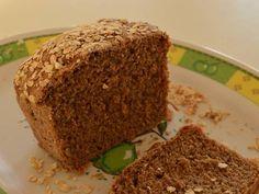 Fabulosa receta para Pan de centeno. Hace un tiempo estoy buscando reducir la cantidad de harina de trigo procesada que consumo. Probé distintos panes y de a poco estoy agarrándole la mano (descubrí que la panadería exige tiempo y paciencia!). Este pan es hasta ahora el que más me gusta, el sabor del centeno me encanta, lo prefiero antes que la harina de trigo integral, y es combinable con dulce y salado. Espero lo disfruten!
