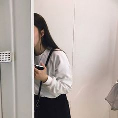 Korean aesthetic ulzzang girl outfit on we heart it. Korean Aesthetic, White Aesthetic, Aesthetic Photo, Aesthetic Girl, Aesthetic Pictures, Japanese Aesthetic, Aesthetic Pastel, Ulzzang Korean Girl, Cute Korean Girl