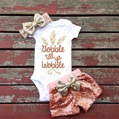 Are you celebrating the upcoming holiday by hosting a Halloween baby shower for someone? Let us help you plan a fantastic Halloween-themed baby shower! Baby Kind, My Baby Girl, Baby Love, Baby Baby, Newborn Baby Girls, Mommys Girl, Baby Girl Fashion, Kids Fashion, Toddler Fashion