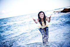 :) splashing