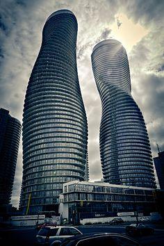 Impressionantes essas Absolute Towers