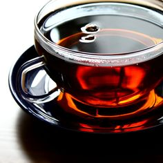 Beautiful cup of Black tea isn't actually black, it's red! Black tea's name comes from a historical misunderstanding. Find out how red tea became black in the West. Natural Home Remedies, Herbal Remedies, Asian Tea, Goji, Blood Pressure Remedies, Cancer Cure, Tea Recipes, Natural Health, Tea Time