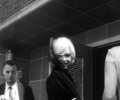 Marilyn arriving at the christening of John Gable (Clark Gable's son), 11 June 1961.