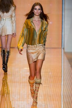 Versace Spring 2013 Ready-to-Wear - Collection - Gallery - Style.com