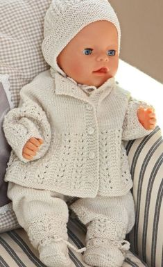 Baby Knitting Patterns Welcome to Målfrid Gausels Internet shop for dolls knitting patterns and doll clothes str … Baby Knitting Patterns, Knitting For Kids, Baby Patterns, Free Knitting, Vintage Knitting, Knitting Projects, Stitch Patterns, Knitting Dolls Clothes, Crochet Doll Clothes