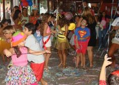 Baile de Carnaval infantil no Marina Barra Clube