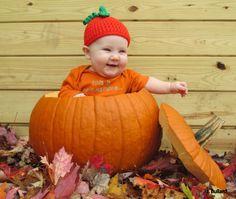 Baby Pumpkin Hat Crochet Pumpkin hat by NikkisCraftShoppe on Etsy Pumpkin Halloween Costume, Family Halloween Costumes, Halloween Pictures, Baby Halloween Costumes, Baby Pumpkin Costume, Haloween Party, Fall Halloween, Halloween Ideas, Fall Baby Pictures
