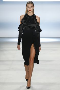 Cushnie et Ochs Fall 2016 Ready-to-Wear Fashion Show - Kate Grigorieva
