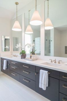 Contemporary master bath designed by Carla Aston photo by Tori Aston - Click HERE to see more images of this beautiful space