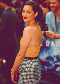 Marion Cotillard // Premiere of The Dark Knight Rises in London. LOVE her, my girl crush!