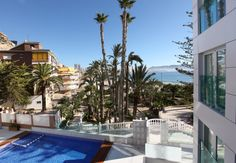 Luxury sea views apartments. Direct access to the Poniente beach in Benidorm. In a residential area, where you can enjoy a real paradise for the senses. No annoying noise and crowds.