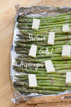 PERFECT GRILLED ASPARAGUS (4serv).... 1# asparagus-ends cut off or peeled/washed), ½tsp @ garlic salt+onion powder, 1Tbsp olive oil, 2Tbsp butter.... Fold up a little foil tray w/raised sides (or small baking pan w/sides). Cut off tough ends+wash well. Let dry+toss w/olive oil. Season evenly w/seasonings & lay in single layer on baking tray. Top w/pats of butter & grill over med heat till asparagus is tender-crisp, 6-8min. Toss lightly in butter melted in the bottom of the tray, & serve Grill Asparagus In Foil, Grilled Asparagus Recipes, Baked Asparagus, Grilled Vegetables, Vegetable Recipes, Vegetable Salad, Vegetable Dishes, Perfect Grill, Garlic Salt