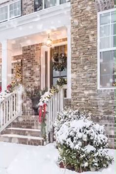 🌲☃❄ 55 Magical Christmas Front Porch Ideas Decked With Holiday Style By Your Favorite Bloggers // If your Christmas Decorating goals include keeping up with the Griswolds then you're going to want to check out this post! This is hands down one of the best Holiday Decorating roundups that I've ever done!