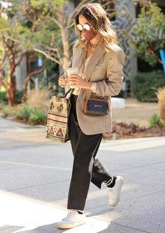 Jessica Alba: ficha su estrategia para vestir bien en entretiempo sin gastar en ropa - Foto 1