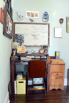 Elizabeth's Very Vintage House of Handiwork & Travel