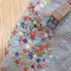#Embroidery#stirch#needle work #프랑스자수#일산프랑스자수#자수#자수타그램 #하나,둘..꽃을 피우다보면..⚘⚘⚘