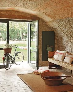 exposed brick arch, leading to a hidden wine cellar, maybe a classy billiards room? Farmhouse Remodel, Farmhouse Interior, Home Interior, Interior Design, Spanish Style Homes, Spanish House, Style At Home, Quinta Interior, Restored Farmhouse