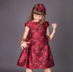 ROCHIE FETE BROCART VISINIU Short Sleeve Dresses, Dresses With Sleeves, Special Occasion, Girls Dresses, High Neck Dress, Fashion, Tulle, Dresses Of Girls, Turtleneck Dress