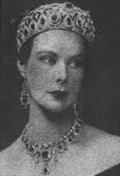 Anne Parsons, Countess of Rosse, wearing the Rosse Tiara, Ireland (emeralds, diamonds).