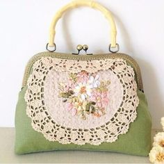 Vintage Handmade Crochet Ribbon Embroidery Flower Kiss lock Clasp Green/Brown Crossbody Handbags Bamboo Handle Messenger Bags